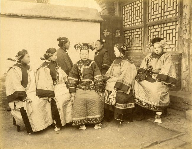 qing dynasty manchu women